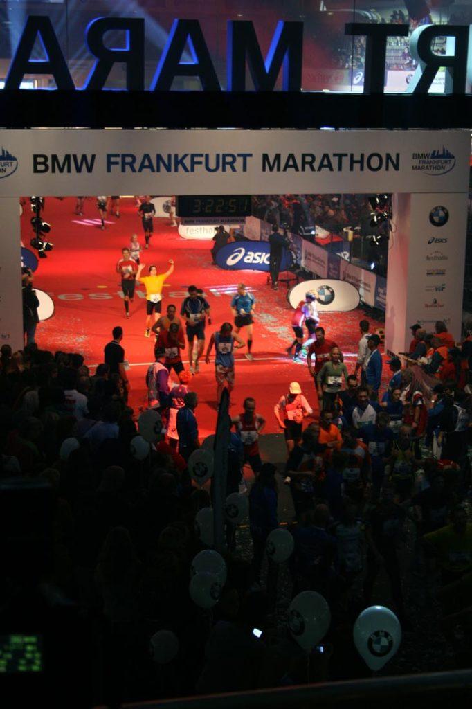 Zieleinlauf Frankfurt-Marathon 2011